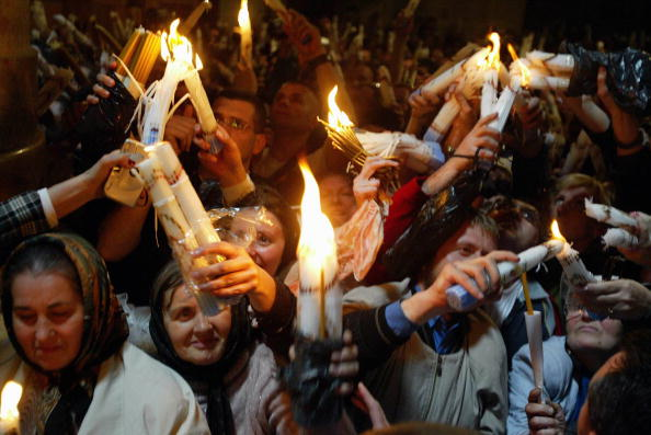 Flame「Orthodox Christians Hold Holy Fire Ceremony In Jerusalem」:写真・画像(13)[壁紙.com]