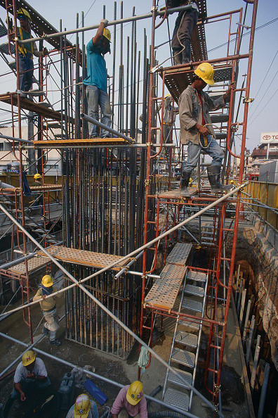 2002「Fixing reinforcement for in situ concrete column. Beijing, China.」:写真・画像(5)[壁紙.com]