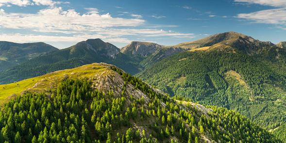 European Alps「Austria, Hohe Tauern, Nockalm Scenic Road in the Nock mountains」:スマホ壁紙(4)