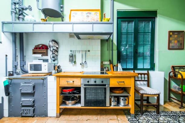 Countryside house kitchen:スマホ壁紙(壁紙.com)