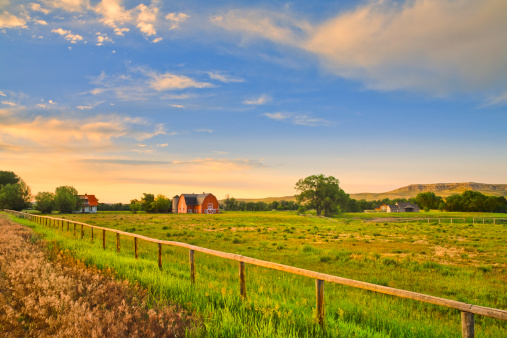 Pasture「countryside and farms at sunset in rural Montana」:スマホ壁紙(9)