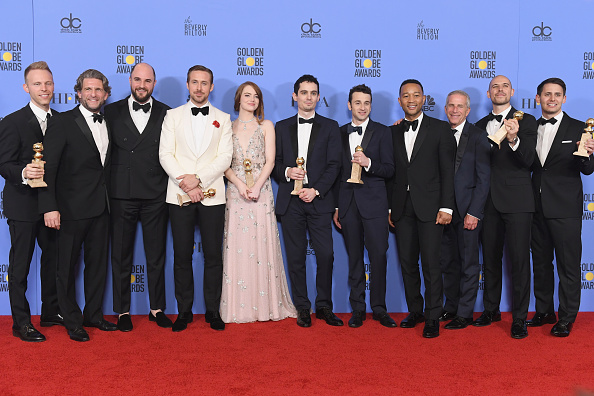 Golden Globe Statue「74th Annual Golden Globe Awards - Press Room」:写真・画像(17)[壁紙.com]