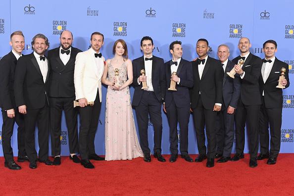 Burberry「74th Annual Golden Globe Awards - Press Room」:写真・画像(13)[壁紙.com]