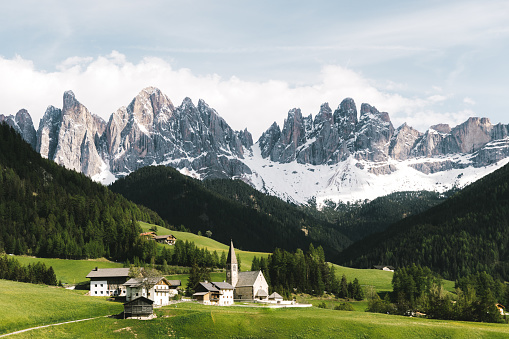 Alto Adige - Italy「View of beautiful mountains, green meadow and small Santa Maddalena village in Dolomites Alps, Italy」:スマホ壁紙(6)