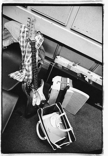 楽器「Gallagher's Shirt And Guitar」:写真・画像(3)[壁紙.com]