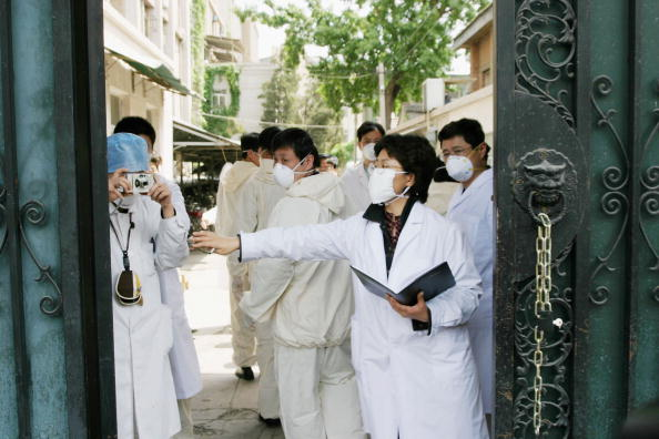 Infectious Disease「China Battles To Contain New SARS Outbreak」:写真・画像(0)[壁紙.com]