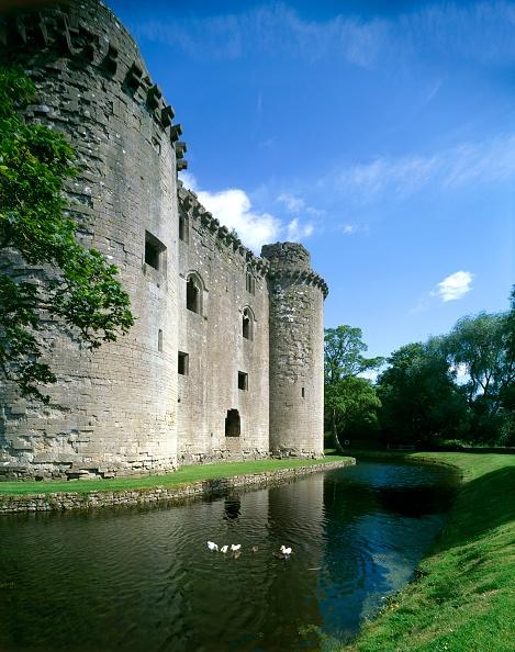 Circa 14th Century「Nunney Castle, c1990-2010」:写真・画像(12)[壁紙.com]