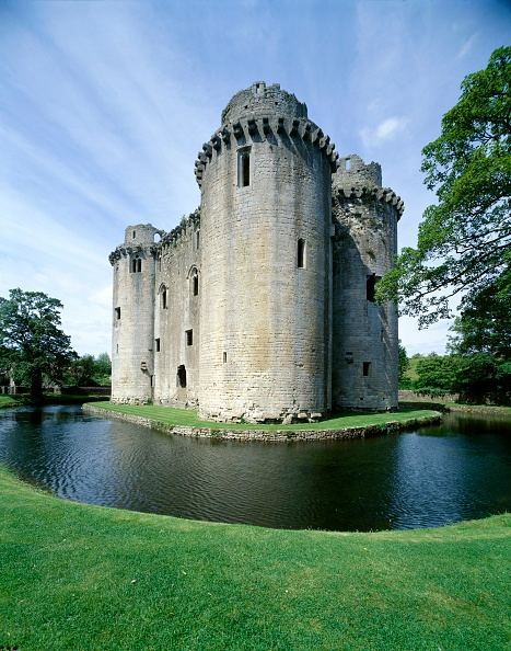Circa 14th Century「Nunney Castle, c1990-2010」:写真・画像(16)[壁紙.com]