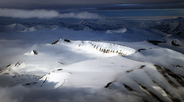Svalbard Islands「Midsummer In The Arctic Archipelago Svalbard」:写真・画像(15)[壁紙.com]