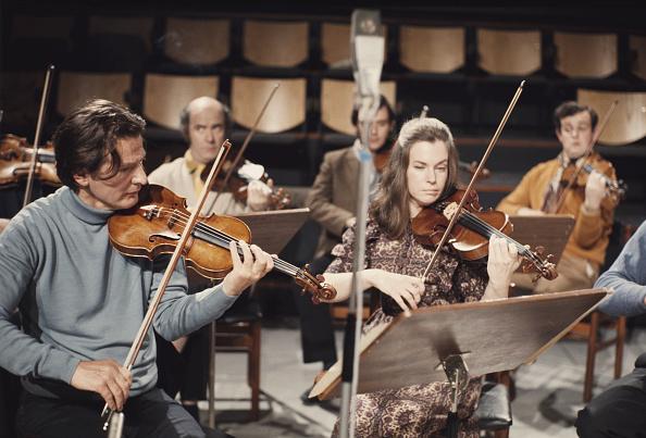 Classical Musician「Marriner On Violin」:写真・画像(5)[壁紙.com]