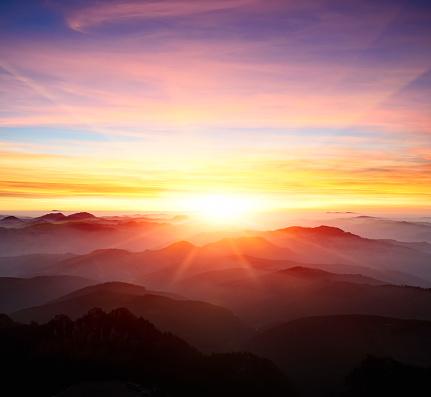 Scenics - Nature「majestic sunrise over the mountains」:スマホ壁紙(3)