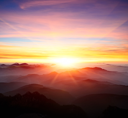 Image「majestic sunrise over the mountains」:スマホ壁紙(15)