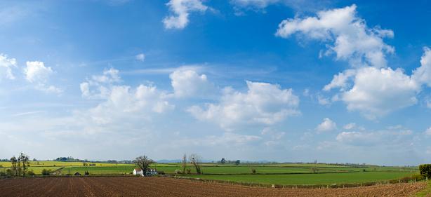 Plowed Field「Big skies over farm and fields」:スマホ壁紙(16)