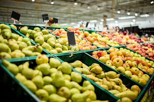 Pear「Fruit in supermarket」:スマホ壁紙(2)