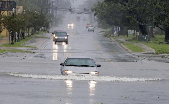 Pensacola「Hurricane Dennis Slams Into U.S. Gulf Coast」:写真・画像(19)[壁紙.com]