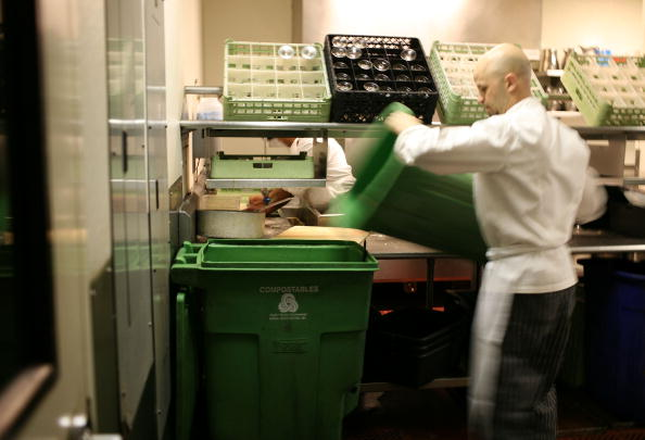 Food and Drink「Thousands Of San Francisco Area Restaurants Turn Food Waste Into Fertilizer」:写真・画像(5)[壁紙.com]