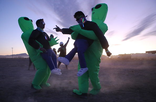 "Geographical Locations「Revellers Descend On Nevada Desert For ""Storm Area 51"" Gathering」:写真・画像(7)[壁紙.com]"