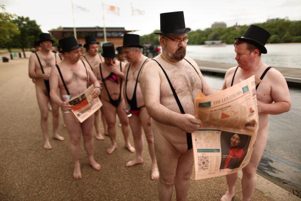 Wireless Technology「Businessman Promote New Mobile Phone Network on The Serpentine」:写真・画像(12)[壁紙.com]