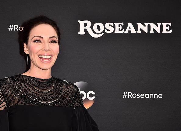 "Whitney Cummings「Premiere Of ABC's ""Roseanne"" - Arrivals」:写真・画像(18)[壁紙.com]"