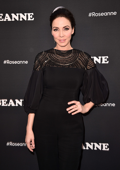 "Whitney Cummings「Premiere Of ABC's ""Roseanne"" - Arrivals」:写真・画像(19)[壁紙.com]"