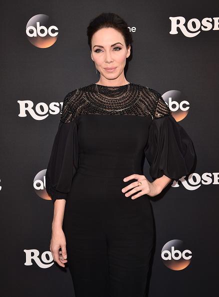 "Whitney Cummings「Premiere Of ABC's ""Roseanne"" - Arrivals」:写真・画像(0)[壁紙.com]"
