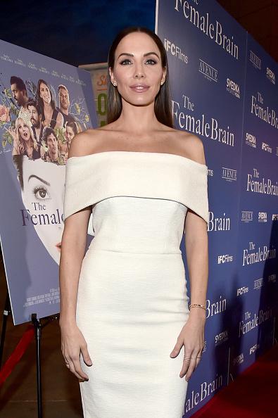 "Whitney Cummings「Premiere Of IFC Films' ""The Female Brain"" - Red Carpet」:写真・画像(6)[壁紙.com]"