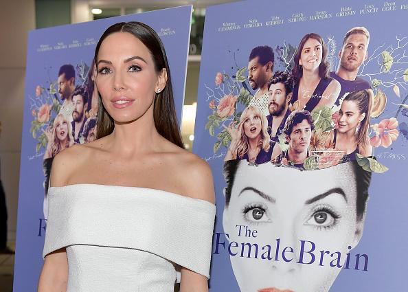 "Whitney Cummings「Premiere Of IFC Films' ""The Female Brain"" - Arrivals」:写真・画像(8)[壁紙.com]"