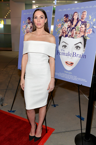 "Whitney Cummings「Premiere Of IFC Films' ""The Female Brain"" - Arrivals」:写真・画像(1)[壁紙.com]"