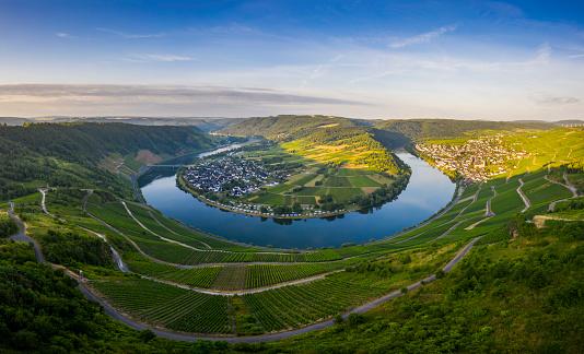 田畑「Moselle river at sunrise」:スマホ壁紙(19)