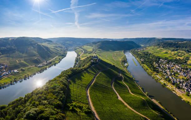 Moselle river:スマホ壁紙(壁紙.com)