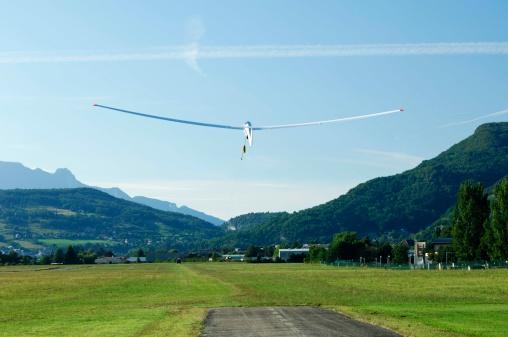 Glider「Glider in airfield, France」:スマホ壁紙(17)