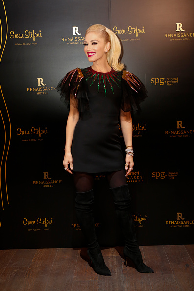Gwen Stefani「Gwen Stefani Performs at the Opening of the Renaissance Downtown Hotel, Dubai for Marriott Rewards & SPG Members」:写真・画像(15)[壁紙.com]