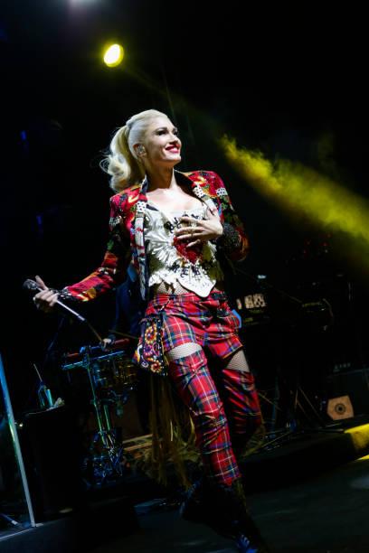 Gwen Stefani「Gwen Stefani Performs at the Opening of the Renaissance Downtown Hotel, Dubai for Marriott Rewards & SPG Members」:写真・画像(19)[壁紙.com]