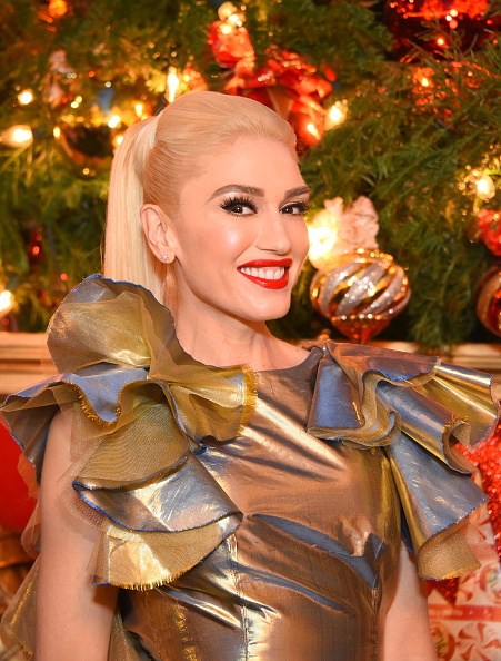 Bleached Hair「The Grove Hosts Gwen Stefani Signing of New Album, You Make It Feel Like Christmas on Friday, November 24 in Los Angeles, CA」:写真・画像(7)[壁紙.com]