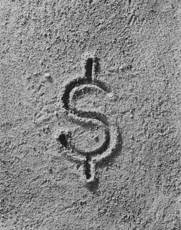 1967「Dollar sign imprint on sand, close-up」:スマホ壁紙(2)
