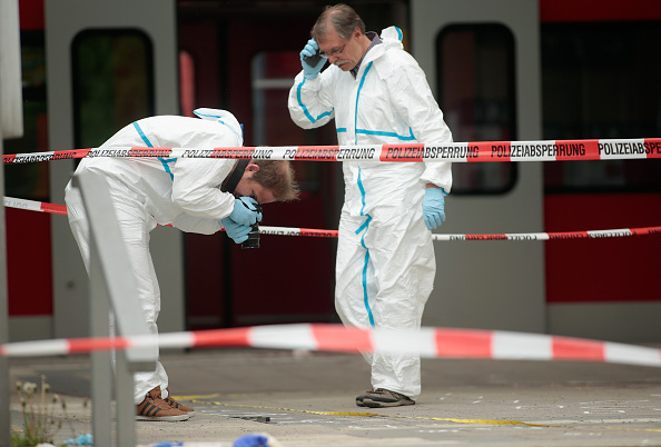 Science「Man Stabs Four, One Dead, Near Munich」:写真・画像(7)[壁紙.com]