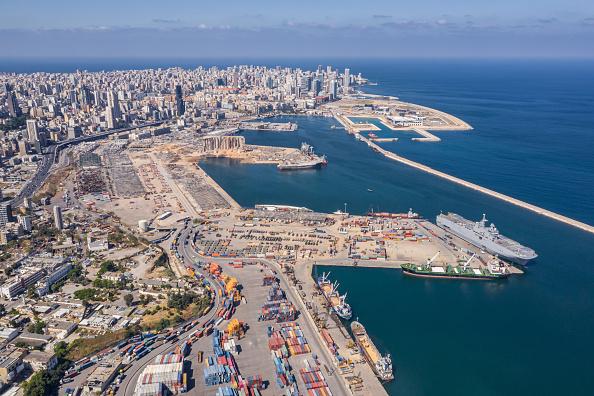 Exploding「Beirut Port Partially Open For Aid Shipments」:写真・画像(16)[壁紙.com]