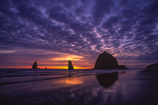 Cannon Beach「Haystack Rock at Cannon Beach」:スマホ壁紙(14)