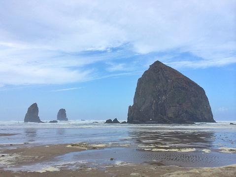 Cannon Beach「Haystack Rock, Cannon Beach, Oregon, USA」:スマホ壁紙(4)