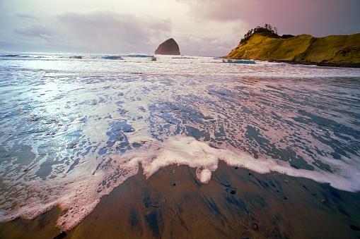 Basalt「Haystack Rock, Cape Kiwanda, Oregon Coast, Oregon, USA」:スマホ壁紙(10)