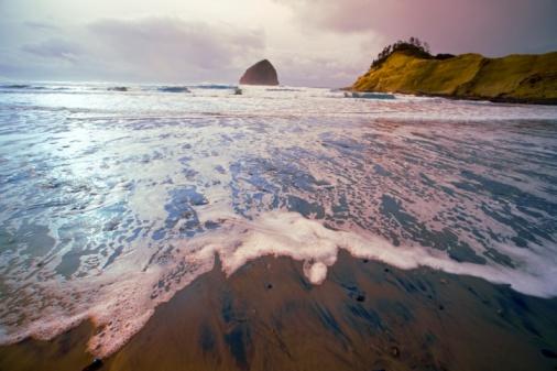 Basalt「Haystack Rock, Cape Kiwanda, Oregon Coast, Oregon, USA」:スマホ壁紙(1)