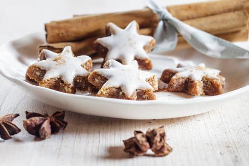 Star Anise「Home-baked Christmas cookies, cinnamon stars, star anise」:スマホ壁紙(4)