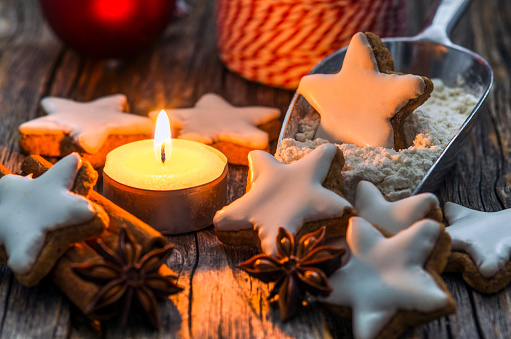 Star Anise「Home-baked cinnamon stars by candle light」:スマホ壁紙(12)