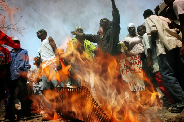 Support「Protestors Hold Rally To Support Ousted President Jean-Bertrand Aristide」:写真・画像(10)[壁紙.com]