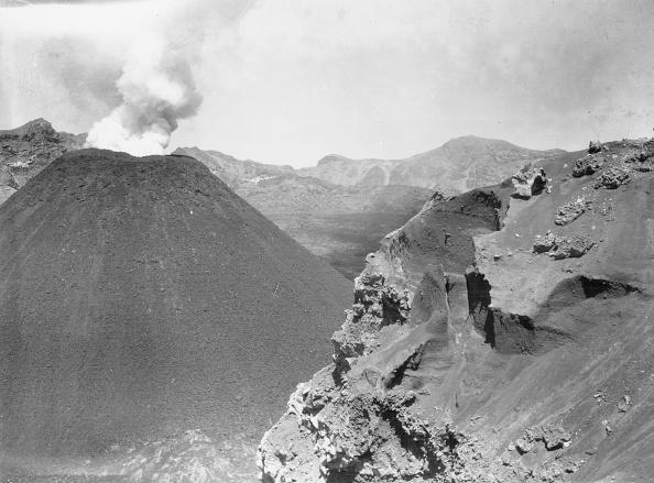 Active Volcano「Cone Of Destruction」:写真・画像(10)[壁紙.com]