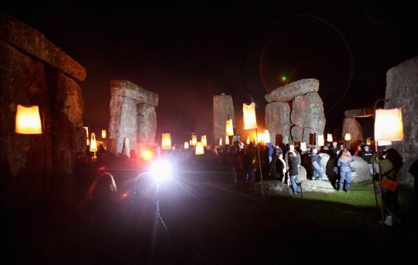 UNESCO World Heritage Site「Salisbury International Arts Festival Hosts The Fire Garden At Stonehenge」:写真・画像(10)[壁紙.com]