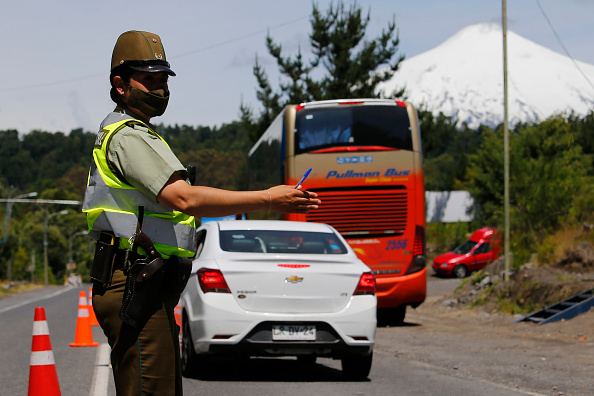 Active Volcano「Chileans Prepare to View The Only Total Solar Eclipse of 2020」:写真・画像(0)[壁紙.com]