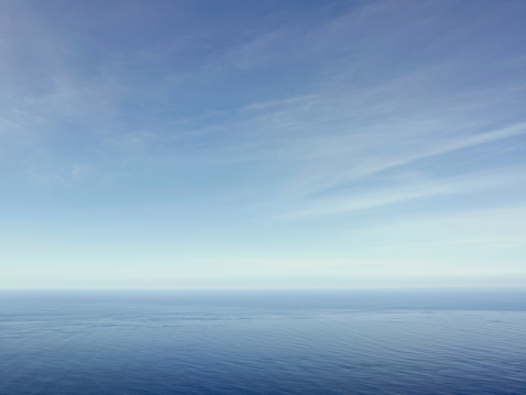 Freedom「Clouds above the sea」:スマホ壁紙(5)