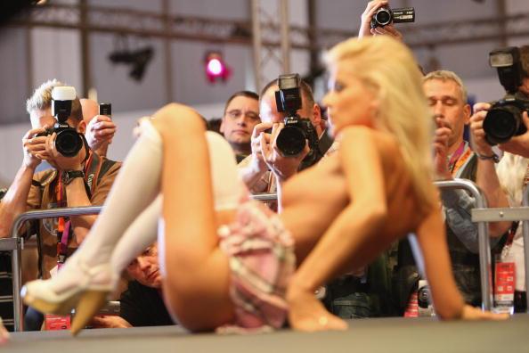Pornography「2009 Venus Erotic Fair」:写真・画像(12)[壁紙.com]