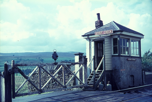 Finance and Economy「Scout Green crossing on the legendary Shap Bank in Cumbria at the close of the steam age in Britain. 1967.」:写真・画像(13)[壁紙.com]